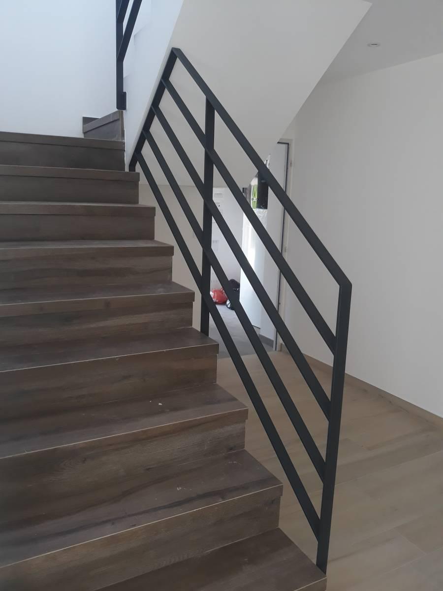 GARDE CORPS escalier acier/verre - Conception d'escaliers ...